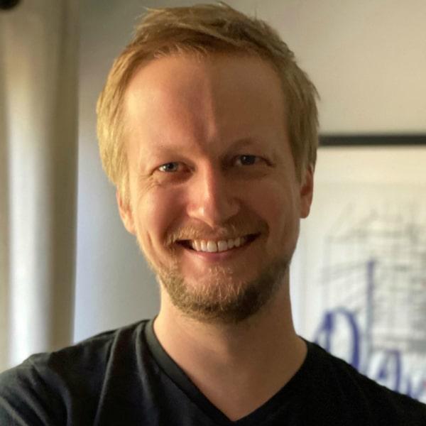 Alex Smolowe